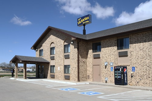 Great Place to stay New Victorian Inn and Suites near Kearney