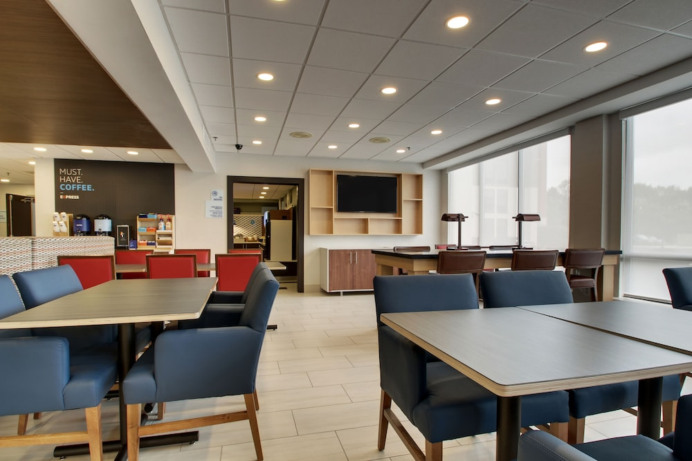 Interior, Holiday Inn Express Voorhees - Mt. Laurel