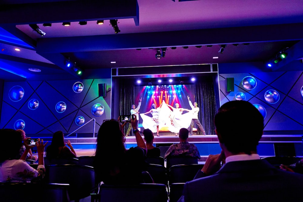 Theater Show, Riu Palace Paradise Island All Inclusive - Adults Only