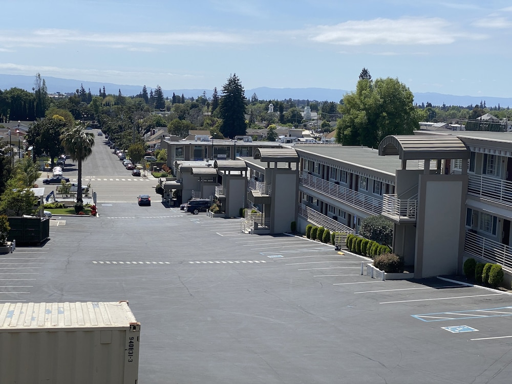 City View, Budget Inn of Hayward