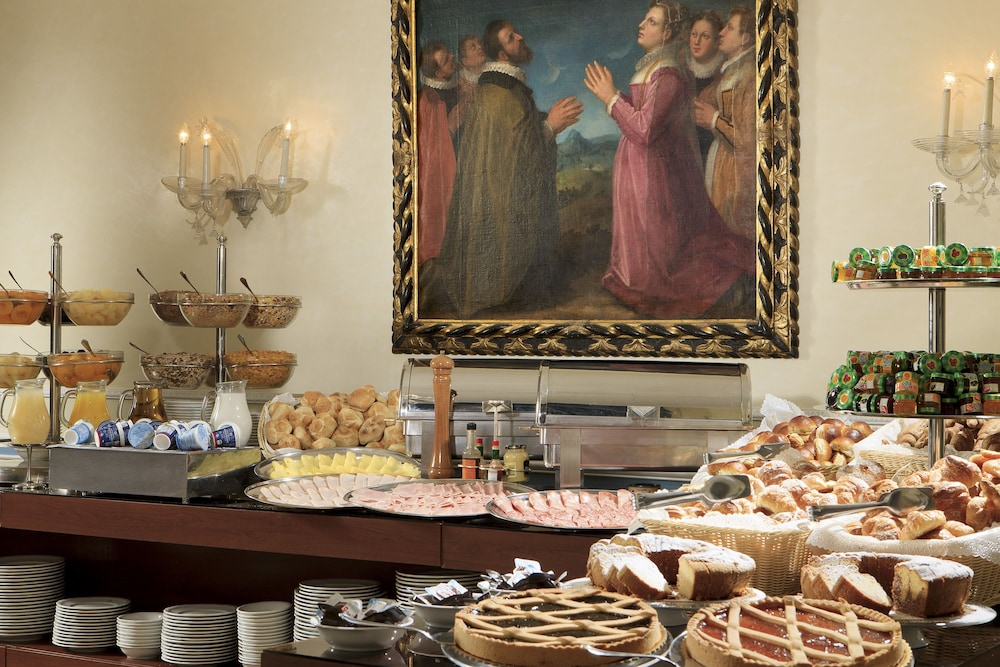 Breakfast buffet, Hotel Quirinale