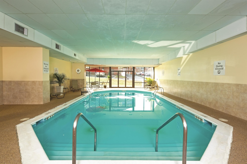 Book La Quinta Inn Suites Salisbury Salisbury Hotel Deals
