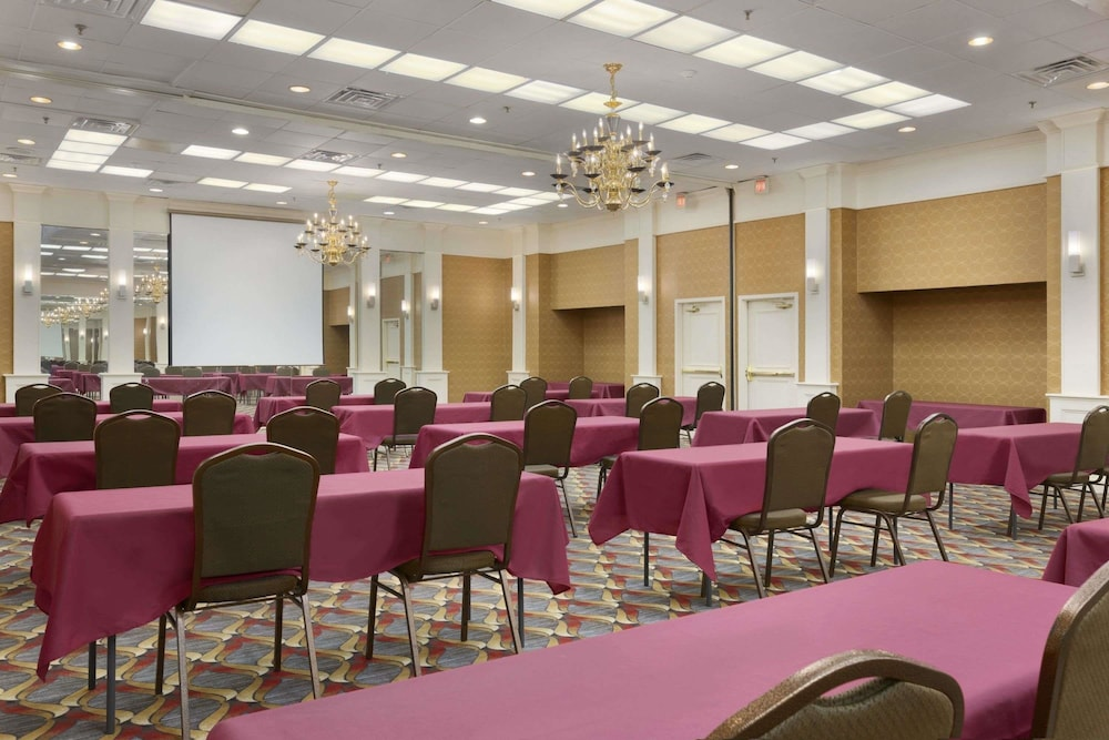 Meeting Facility, Ramada by Wyndham Rochelle Park Near Paramus