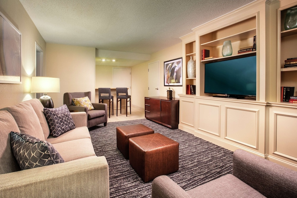 Living Room, Doubletree by Hilton Columbia, SC