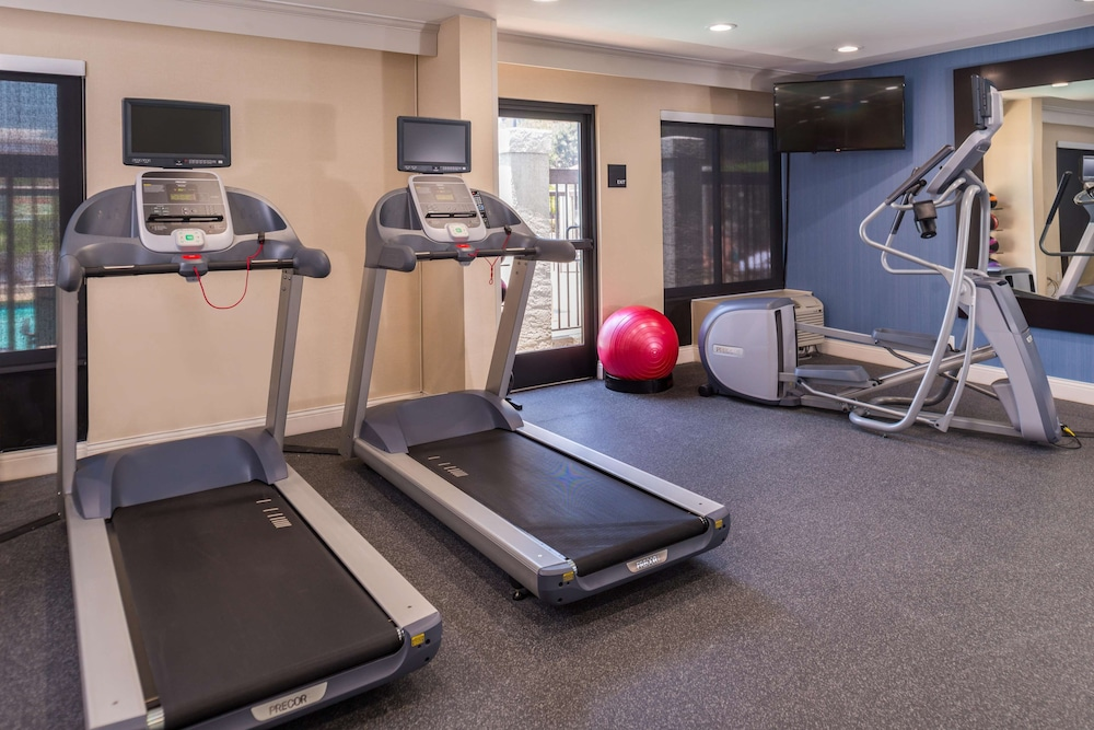 Fitness Facility, Hampton Inn Los AngelesWest Covina