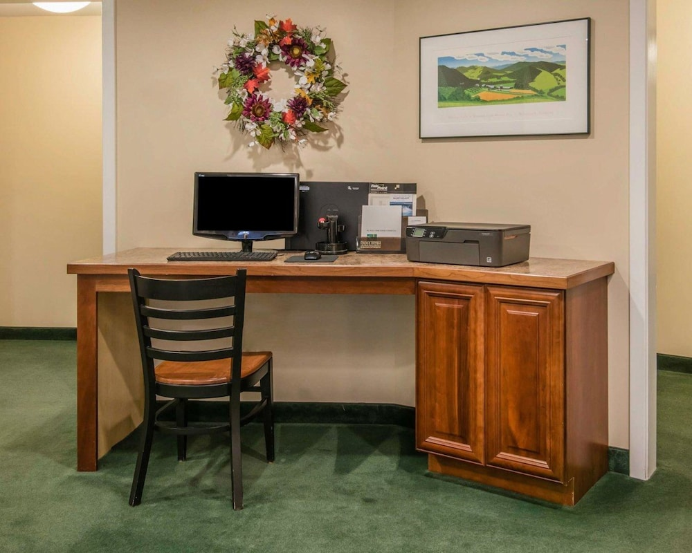 Business Center, Quality Inn At Quechee Gorge
