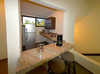 Junior Suite, Balcony, Lagoon View - In-Room Kitchenette