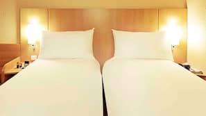 Ropa de cama de alta calidad, caja fuerte, escritorio