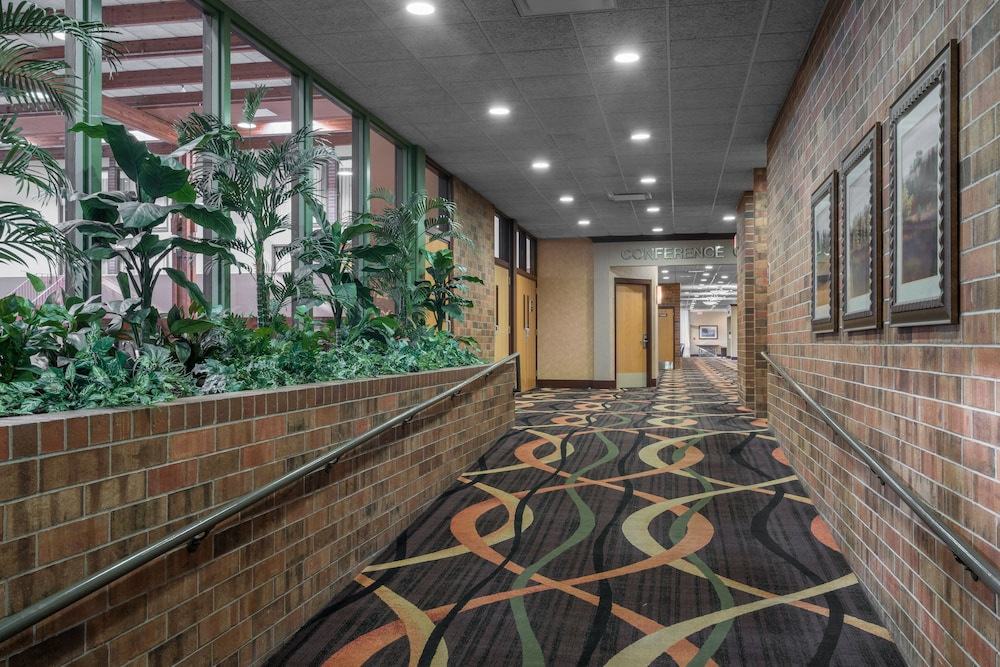 Interior, Holiday Inn Hotel & Suites - St. Cloud, an IHG Hotel