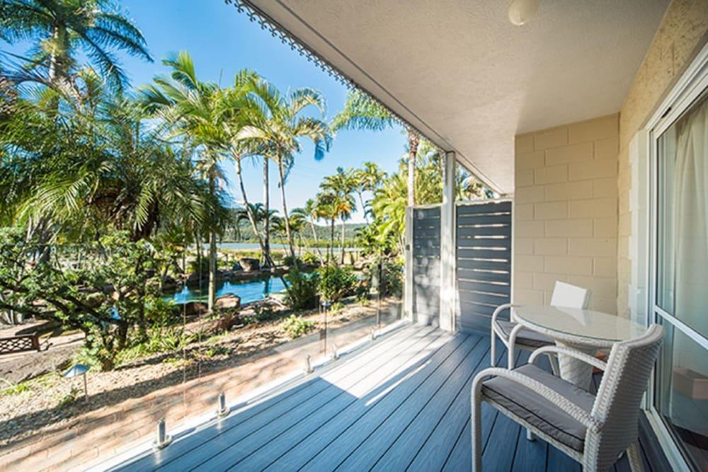Colonial palms motor inn deals reviews airlie beach for Colonial palms motor inn