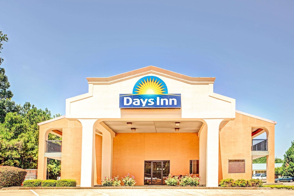 Exterior, Days Inn by Wyndham Kennesaw