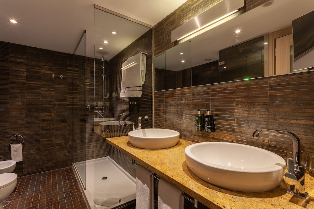 Bathroom, Melia Sevilla