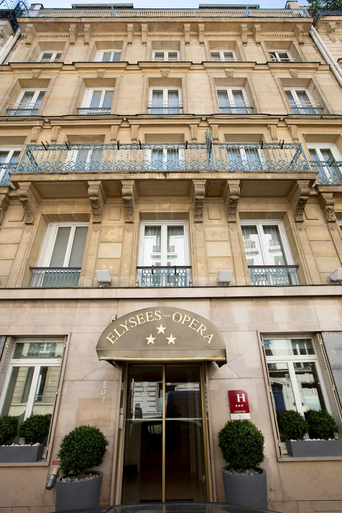 H tel elys es op ra deals reviews paris fra wotif for Deal hotel paris