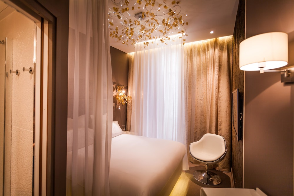 Room, Hotel Legend Saint Germain by Elegancia