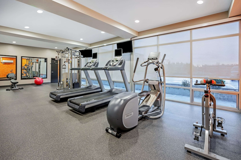 Fitness Facility, La Quinta Inn & Suites by Wyndham Seattle Federal Way