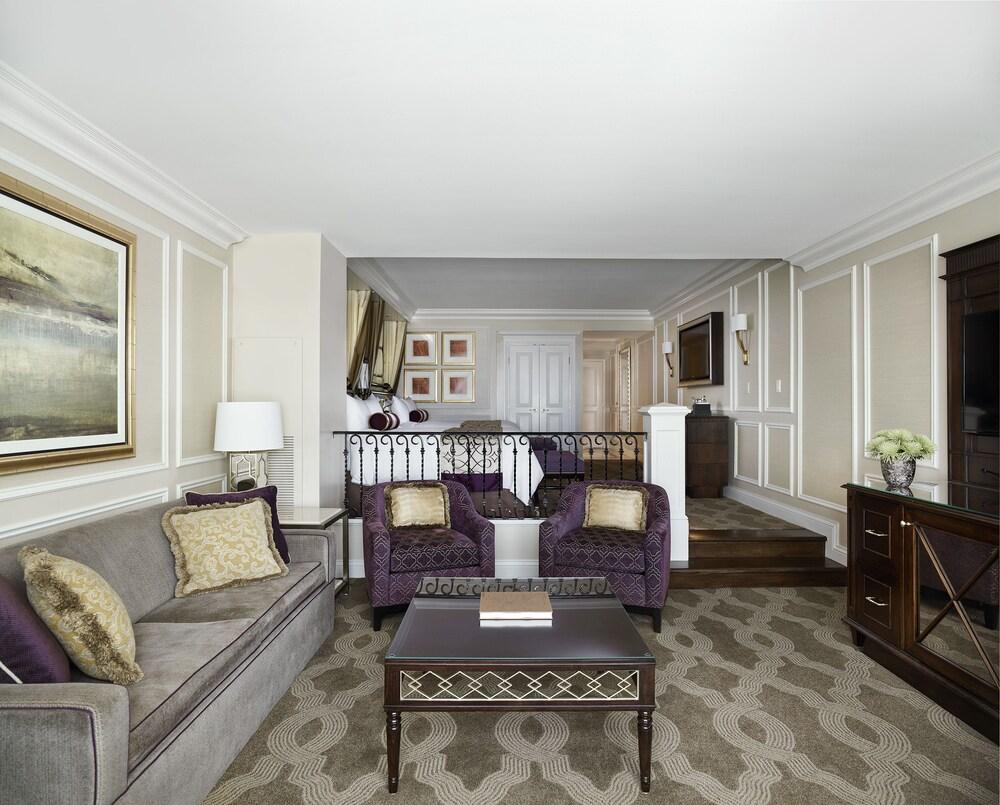 the venetian las vegas 2017 room prices deals reviews. Black Bedroom Furniture Sets. Home Design Ideas