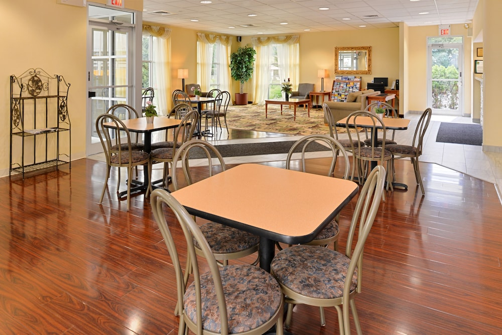 Family Dining, Quality Inn East Haven - New Haven