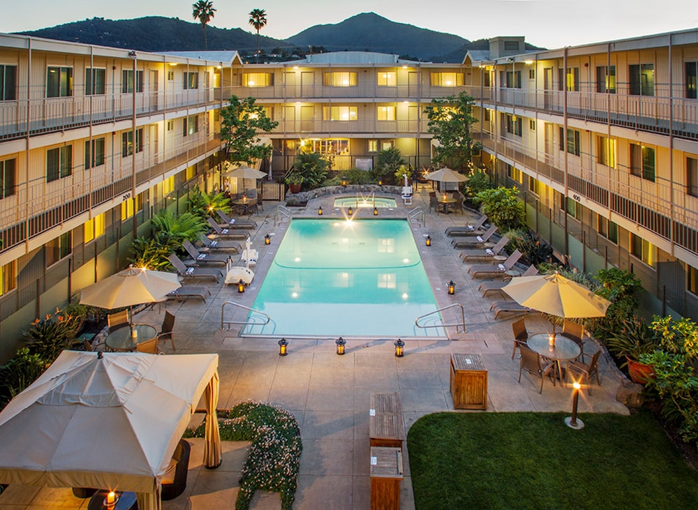 Marin suites hotel 2017 room prices deals reviews for 22 baywood terrace san rafael