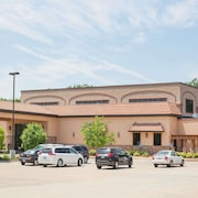 Ramada Tropics Resort & Conf Center by Wyndham Des Moines