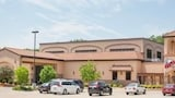 Ramada Tropics Resort & Conference Center Des Moines - Urbandale Hotels
