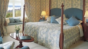 Egyptian cotton sheets, hypo-allergenic bedding, individually decorated
