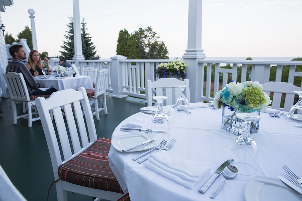 Outdoor Dining, Mission Point Resort