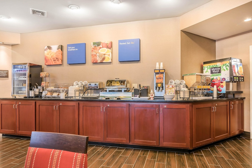 Breakfast Area, Comfort Inn Concord
