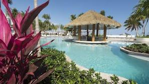 4 piscinas al aire libre, cabañas de piscina (de pago), sombrillas