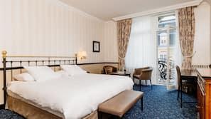 1 bedroom, hypo-allergenic bedding, pillow-top beds, in-room safe