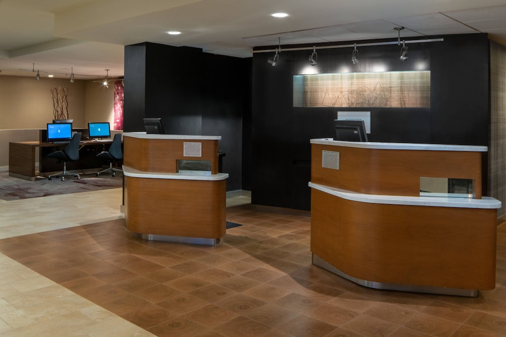 Lobby, Courtyard by Marriott Memphis East/Park Avenue