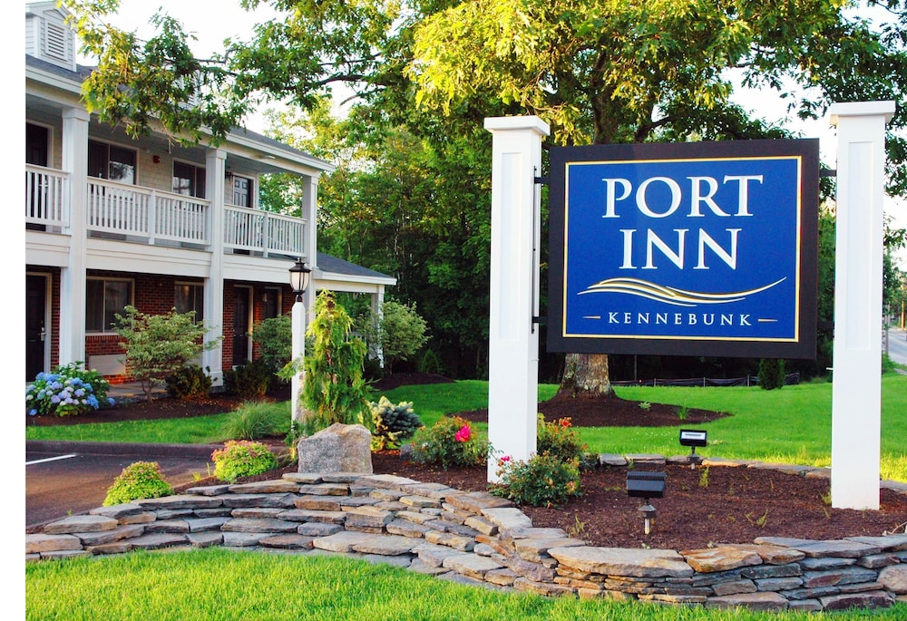 Property Entrance, Port Inn & Suites Kennebunk, Ascend Hotel Collection