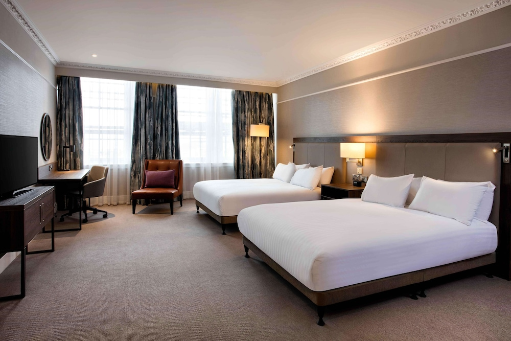 Room, Hilton Edinburgh Carlton