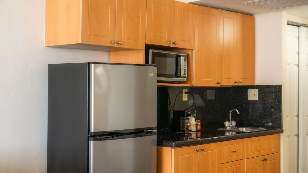 Private Kitchenette, Ramada Plaza by Wyndham Marco Polo Beach Resort