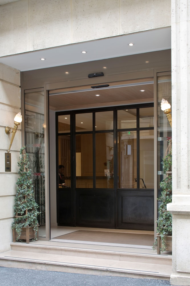 Property Entrance, Hôtel Le Littré