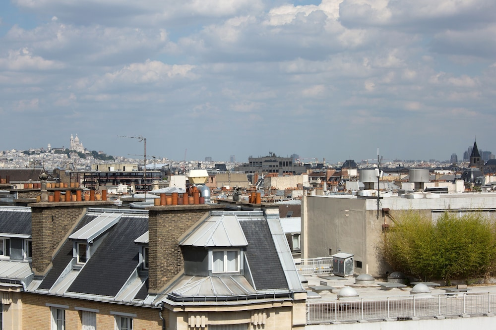 View from Property, Hôtel Le Littré