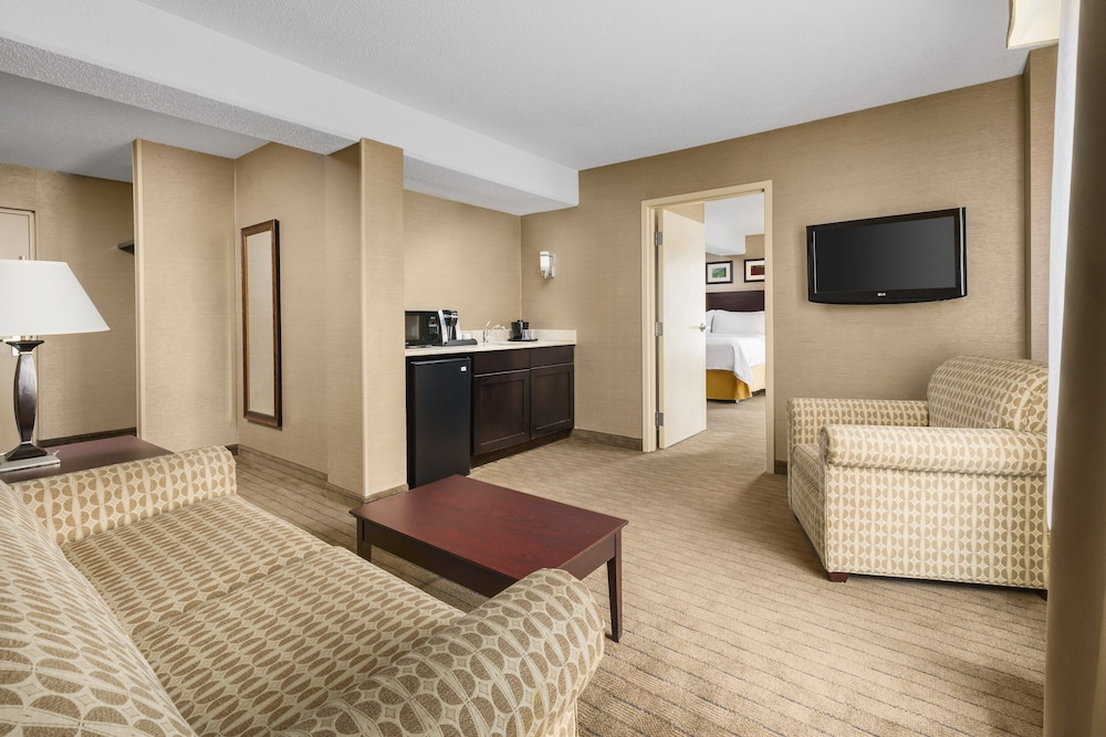Room, Holiday Inn Express Brockton - Boston, an IHG Hotel