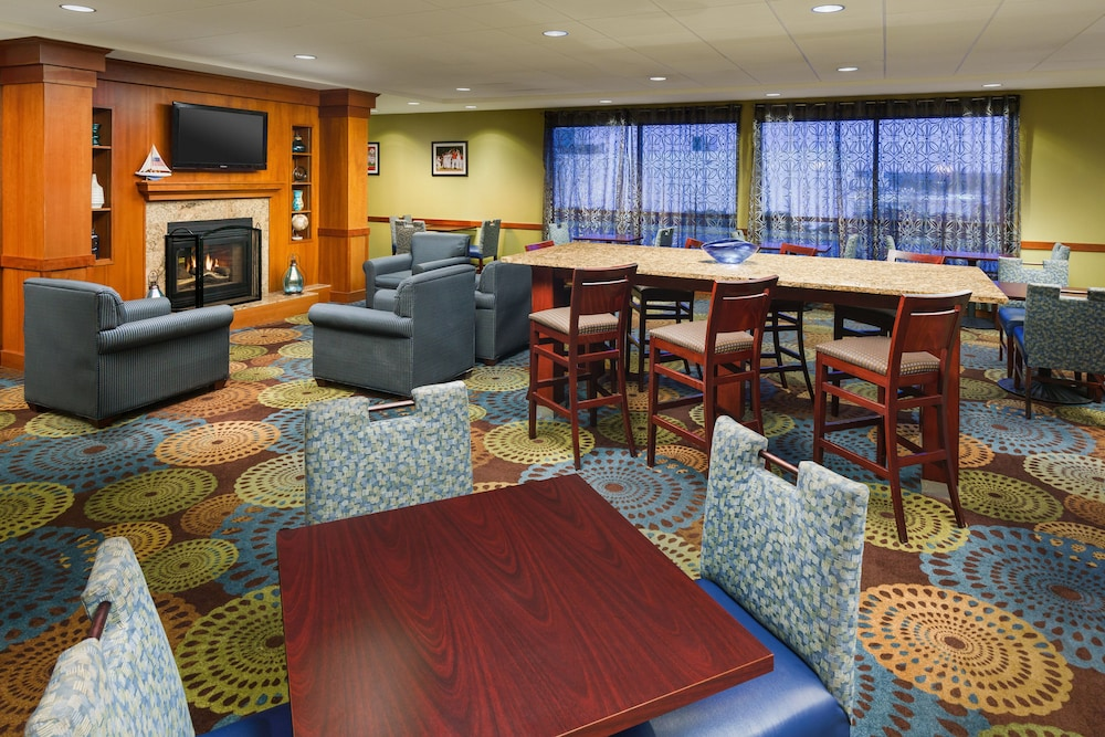 Lobby, Holiday Inn Express Brockton - Boston, an IHG Hotel