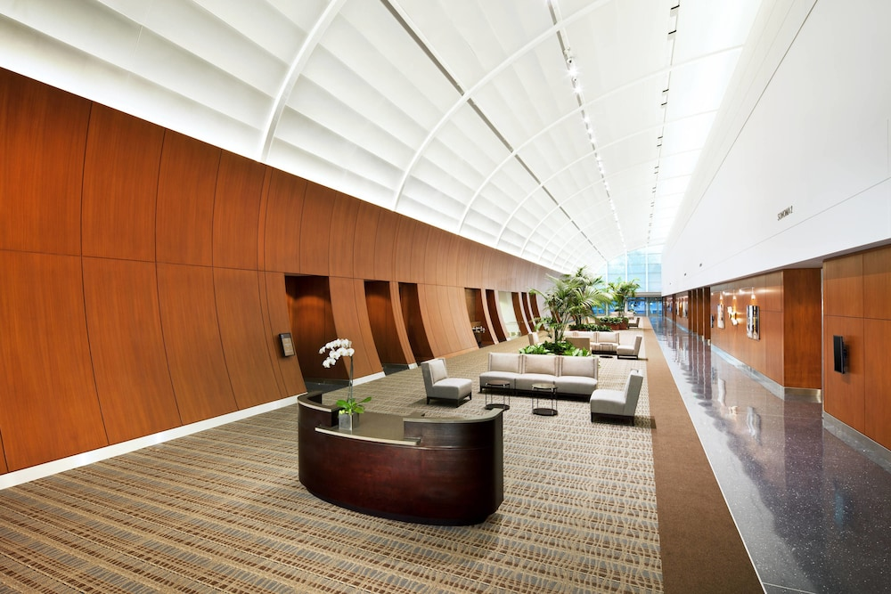 Exterior Featured Image Lobby