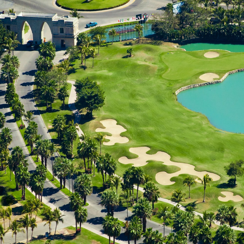 Golf, Paradise Village Beach Resort and Spa