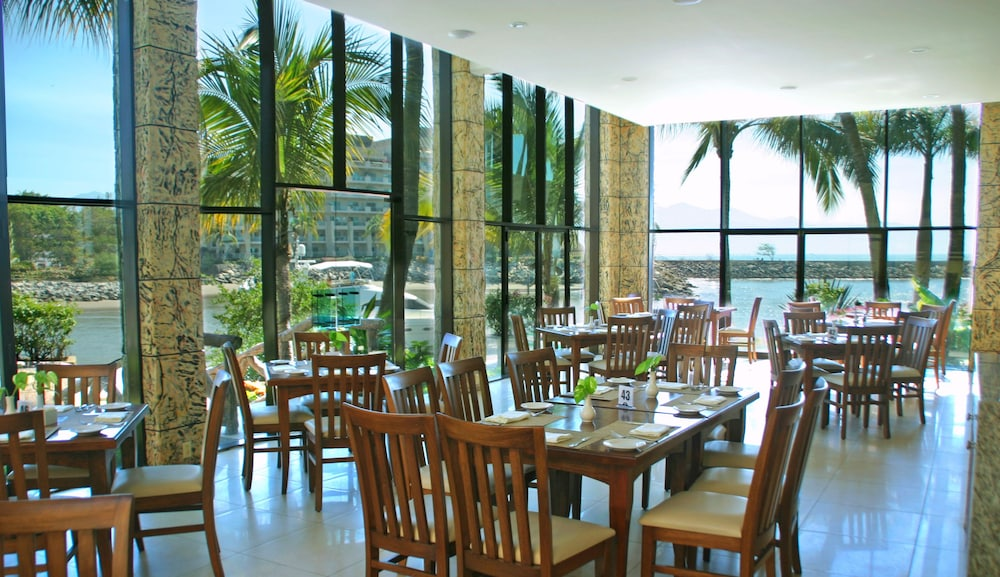 Breakfast Area, Paradise Village Beach Resort and Spa