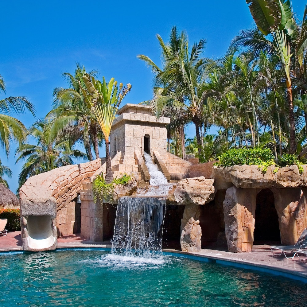 Pool Waterfall, Paradise Village Beach Resort and Spa