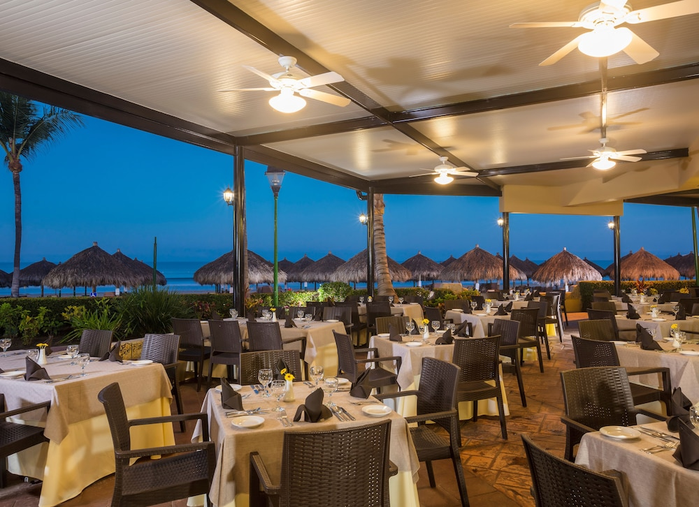 Restaurant, Paradise Village Beach Resort and Spa