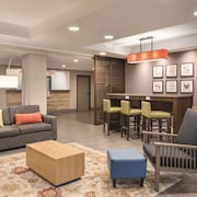 Country Inn & Suites by Radisson, La Crosse, WI