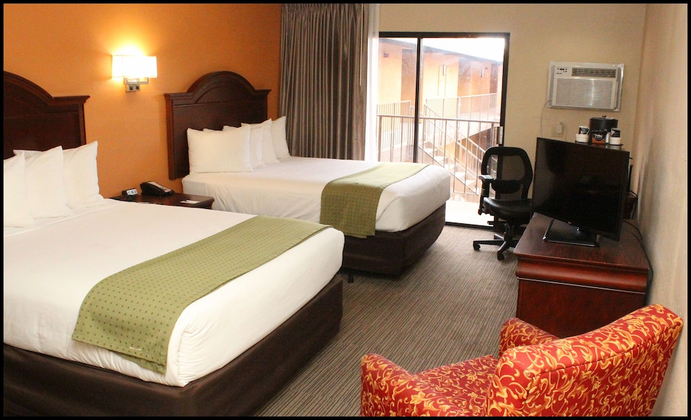 Room, Travelodge by Wyndham Tucson Airport
