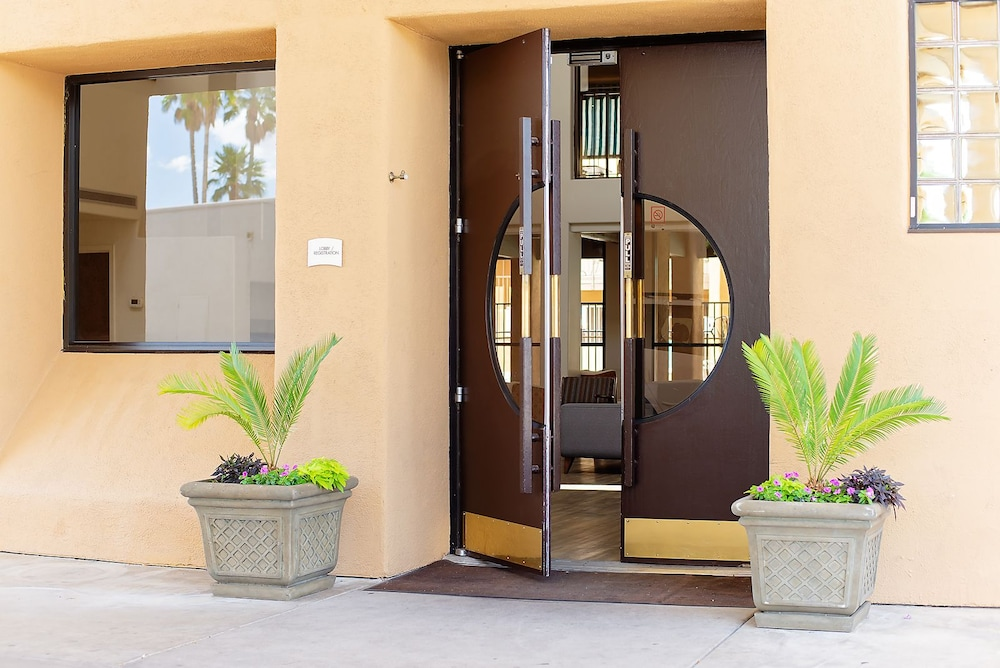 Interior Entrance, Travelodge by Wyndham Tucson Airport