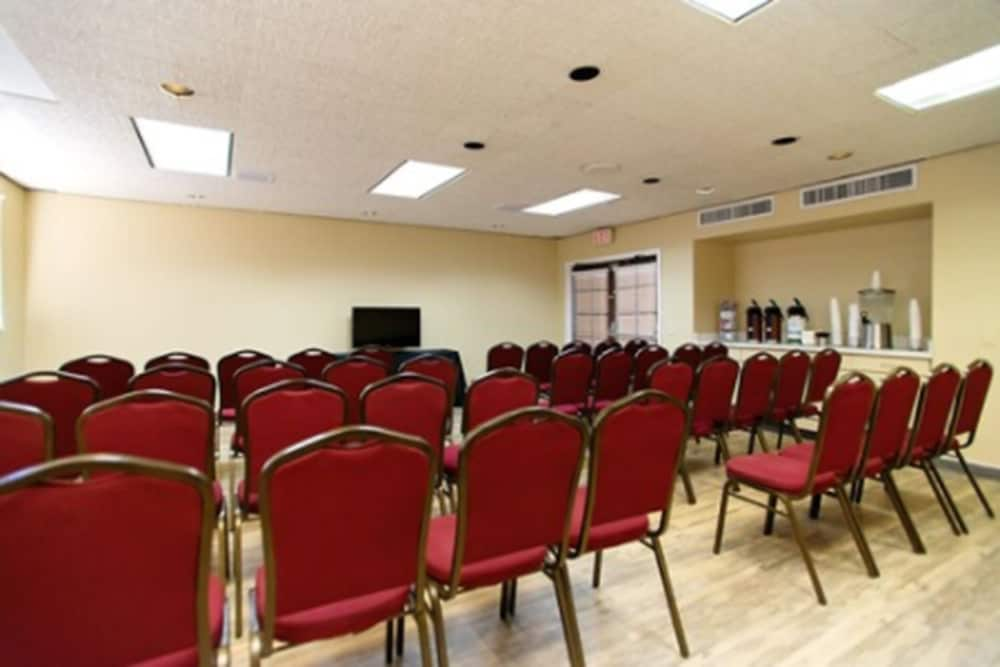 Meeting Facility, Travelodge by Wyndham Tucson Airport