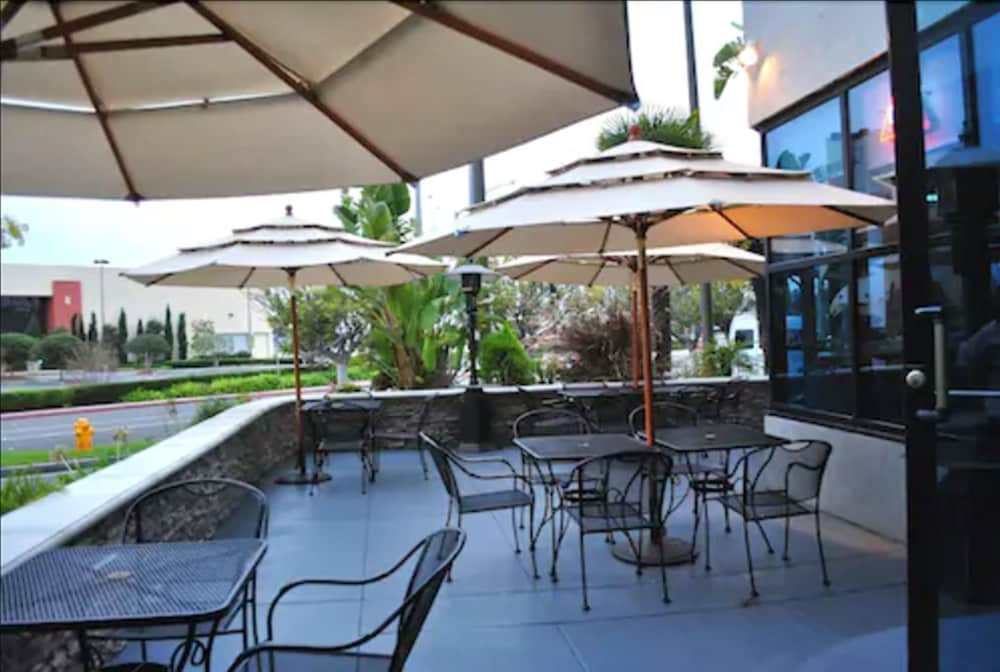 Terrace/Patio, Hotel Huntington Beach