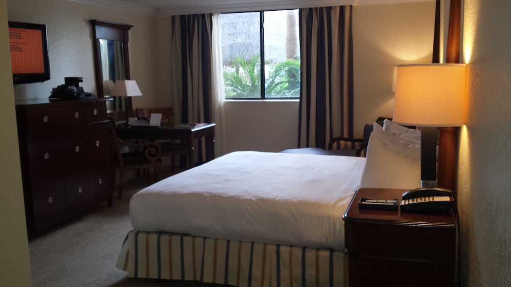 Room, Bonaventure Resort and Spa