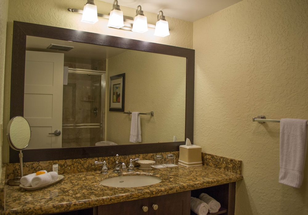 Bathroom, Bonaventure Resort and Spa