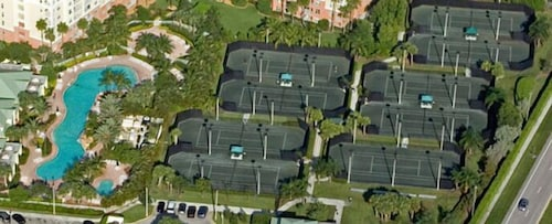 Tennis Court, Bonaventure Resort and Spa